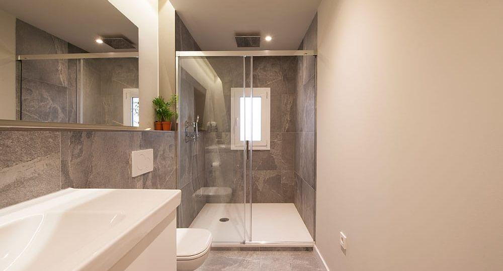 azulejos-pared-bano-consejos-para-comprar-en-el-bano