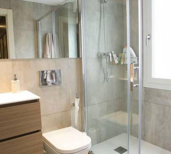 banos-pequenos-con-ducha-ideas-para-decorar-en-el-bano