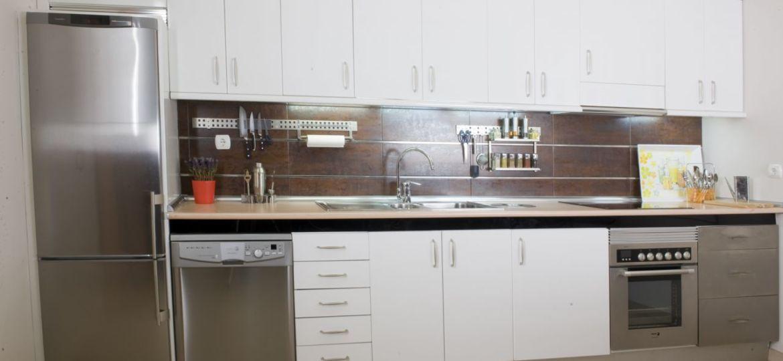 bisagras-muebles-cocina-tips-para-instalar-en-tu-cocina