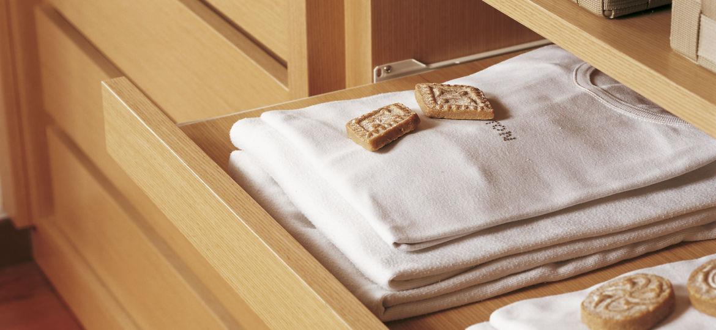 cajonera-para-armario-empotrado-consejos-para-instalar-tu-armario