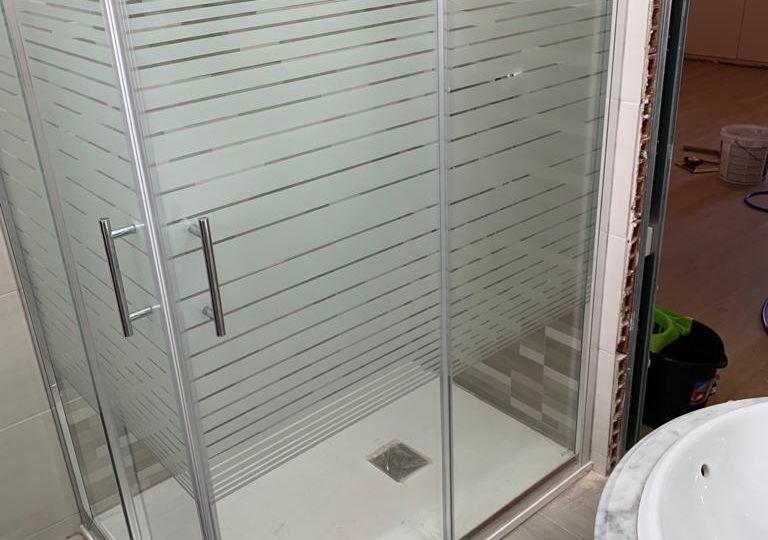cambiar-banera-por-ducha-barato-trucos-para-instalar-en-el-bano