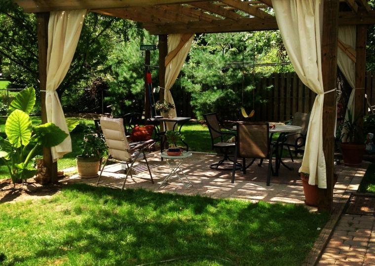 cenadores-de-madera-para-jardin-trucos-para-decorar-el-jardin