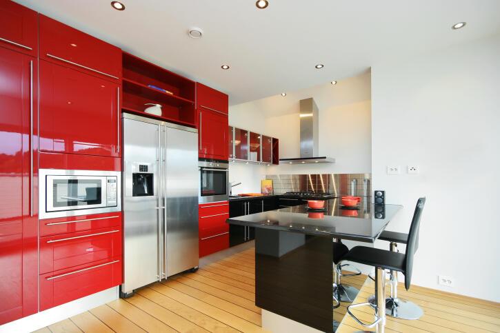 cocina-color-berenjena-trucos-para-decorar-en-tu-cocina