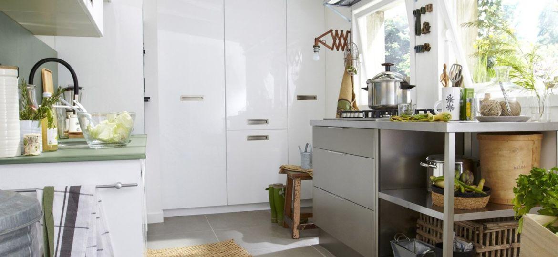 cocinas-blancas-encimera-gris-trucos-para-montar-en-tu-cocina
