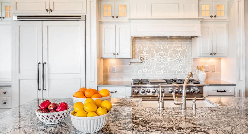 cocinas-con-electrodomesticos-blancos-tips-para-decorar-en-la-cocina