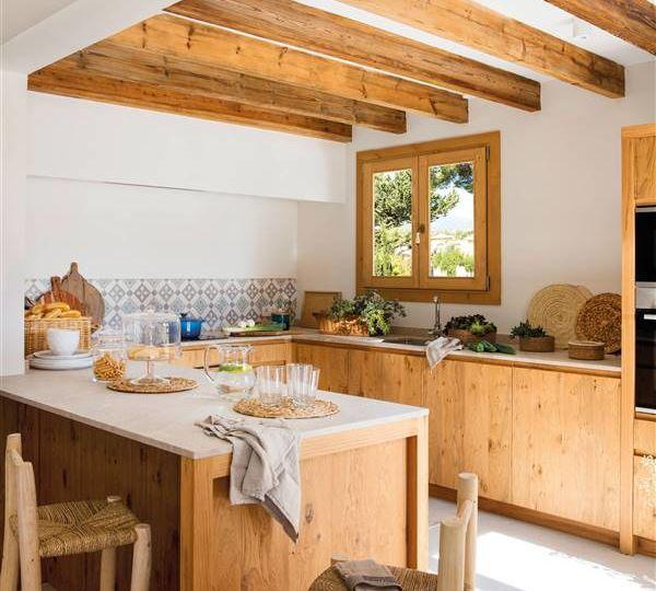 cocinas-pequenas-con-barra-americana-tips-para-decorar-en-tu-cocina