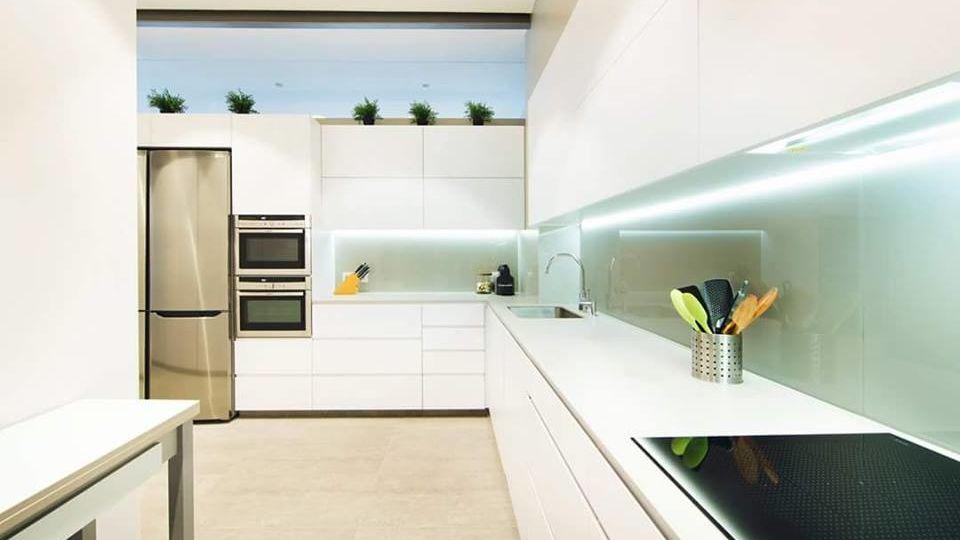conducto-extraccion-humos-cocina-trucos-para-decorar-en-tu-cocina