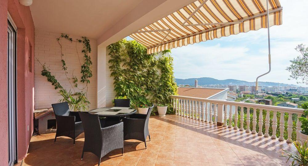ducha-exterior-terraza-consejos-para-instalar-en-tu-terraza