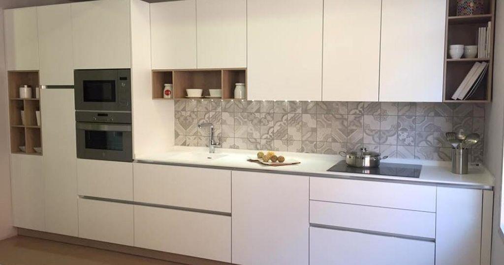 encimera-para-cocina-blanca-brillo-ideas-para-instalar-en-la-cocina
