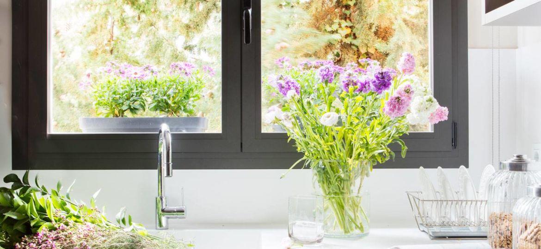 estores-para-puertas-de-cocina-trucos-para-decorar-en-tu-cocina