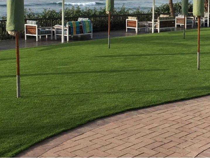 jardin-con-cesped-artificial-consejos-para-montar-tu-jardin