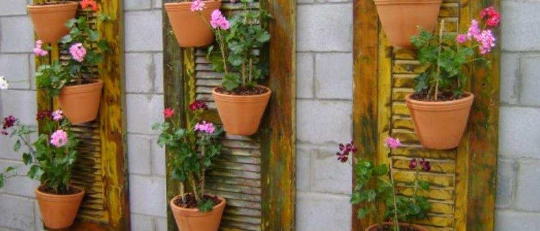 jardineras-de-madera-con-celosia-trucos-para-decorar-el-jardin