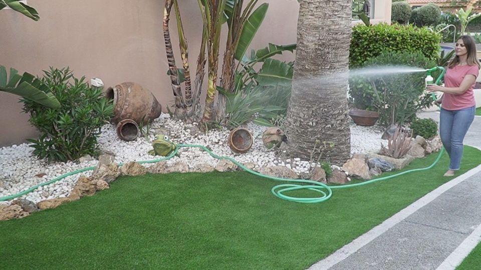 jardines-con-cesped-artificial-fotos-ideas-para-decorar-el-jardin
