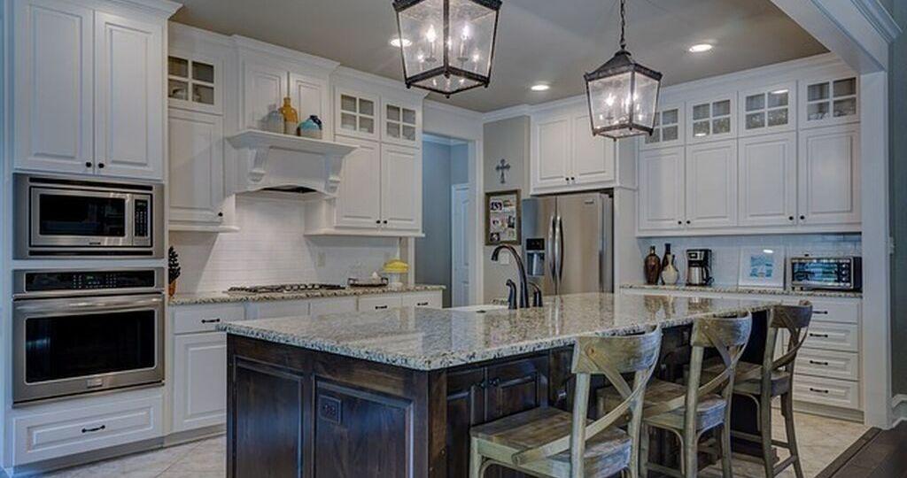 lamparas-de-cocina-led-trucos-para-comprar-en-la-cocina
