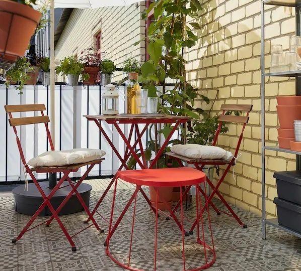 mesa-y-sillas-para-terraza-pequena-consejos-para-comprar-la-mesa