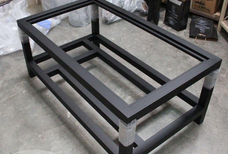 mesas-de-hierro-elevables-ideas-para-montar-la-mesa