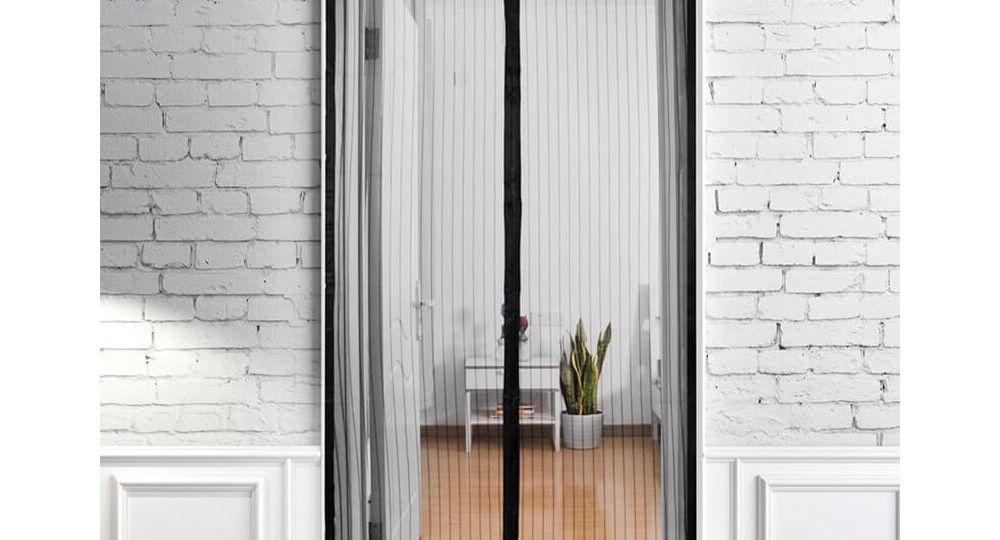 mosquiteras-puertas-terraza-trucos-para-comprar-en-la-terraza