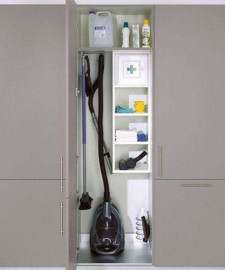 mueble-escobero-cocina-ideas-para-instalar-en-tu-cocina
