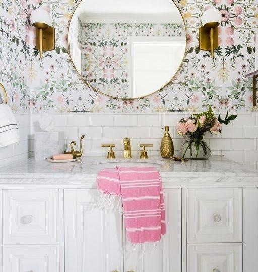 papel-pintado-banos-tips-para-decorar-en-el-bano