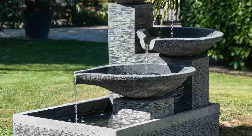 pilas-de-piedra-para-jardin-ideas-para-decorar-tu-jardin