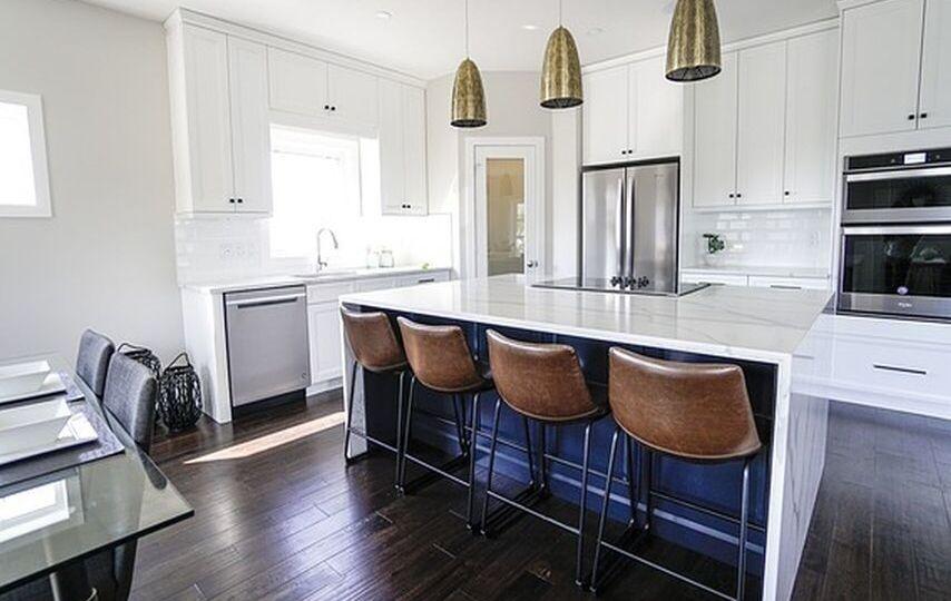 poner-suelo-vinilico-en-cocina-con-muebles-tips-para-decorar-en-tu-cocina