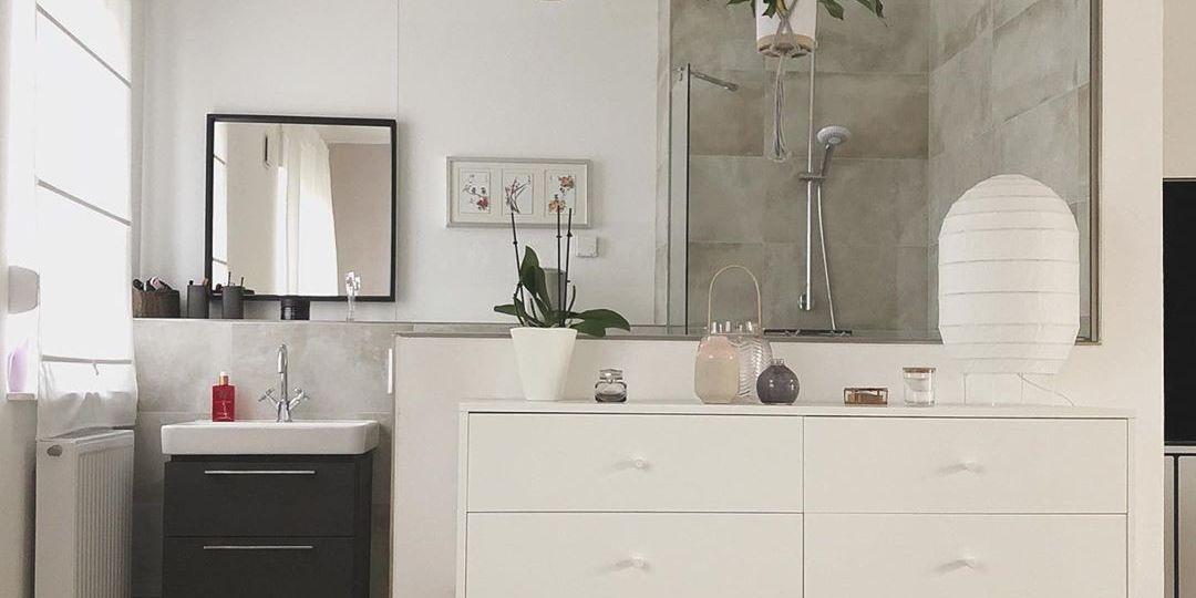 puerta-cristal-bano-consejos-para-decorar-en-el-bano