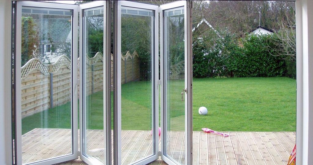 puertas-de-jardin-baratas-ideas-para-decorar-tu-jardin