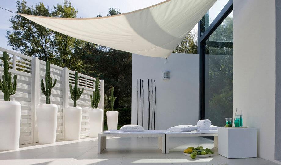 toldos-para-lluvia-ideas-para-instalar-en-tu-terraza
